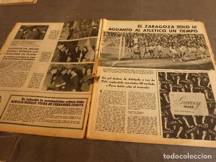 Coleccionismo deportivo: MARCA(17-1-61)AT.MADRID 4 ZARAGOZA 0,JOHN CHARLES NO AL MADRID,GRIFFA,BELLA ALEJANDRA,RIVIERE,JAPÓN. - Foto 2 - 62217168