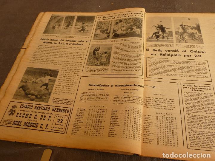 Coleccionismo deportivo: MARCA(17-1-61)AT.MADRID 4 ZARAGOZA 0,JOHN CHARLES NO AL MADRID,GRIFFA,BELLA ALEJANDRA,RIVIERE,JAPÓN. - Foto 4 - 62217168
