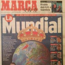 Coleccionismo deportivo: MARCA 1/DICIEMBRE/1998 LA MUNDIAL   REAL MADRID - VASCO DE GAMA  PREVIA INTERCONTINENTAL. Lote 64339839
