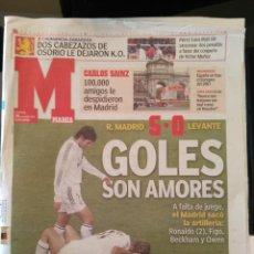 Coleccionismo deportivo: MARCA 29/NOVIEMBRE/2004 REAL MADRID 5 - LEVANTE 0  100.000 PERSONAS DESPIDIERON A CARLOS SAINZ. Lote 64376819