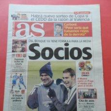 Coleccionismo deportivo: DIARIO AS NOVIEMBRE 2001 CHAMPIONS LEAGUE BARCELONA LIVERPOOL FC-ZIDANE-ARSENAL DEPORTIVO CORUÑA. Lote 74270495