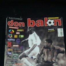 Coleccionismo deportivo: REVISTA DON BALON - EL COLOR DE LA PRENSA - NOVIEMBRE 2002- INCLUYE POSTER RACING SANTANDER - TDKR36. Lote 90931005