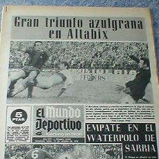 Coleccionismo deportivo: PERIÓDICO EL MUNDO DEPORTIVO 12 OCTUBRE 1970 LIGA 5 FUTBOL FC BARCELONA SABADELL ATLETICO DE MADRID . Lote 99092243