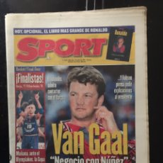 Coleccionismo deportivo: SPORT/23/04/1997.HOY MANCHESTER-BORUSSIA. FINALISTAS FINAL FOUR. Lote 101048026