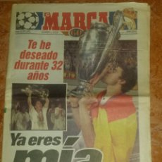 Coleccionismo deportivo: MARCA REAL MADRID CAMPEÓN 7A COPA CHAMPIONS DE EUROPA 97/98 Y 8A COPA CHAMPIONS 99/00. Lote 104656956