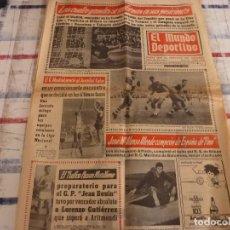 Coleccionismo deportivo: MUNDO DEPORTIVO(28-11-66)BARÇA 4 HERCULES 1,R.MADRID BASKET VENCE AL JUVENTUD.. Lote 105785559