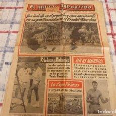Coleccionismo deportivo: MUNDO DEPORTIVO(31-10-65)CARMELO Y PESUDO(ESPAÑOL-BARÇA)LA LUCHA LIBRE,RAPHAEL EN CONCIERTO.. Lote 107445063