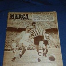 Coleccionismo deportivo: (M21) MARCA NUM 781 MADRID 1957 - PORTADA DI STEFANO , R MADRID - ATH BILBAO. Lote 107597283