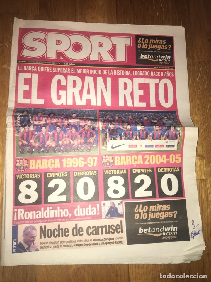 SPORT 13 NOVIEMBRE 2004 BARÇA FC BARCELONA RONALDINHO DETERIORADO (Coleccionismo Deportivo - Revistas y Periódicos - Sport)