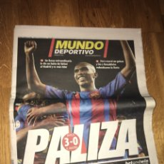 Coleccionismo deportivo: MUNDO DEPORTIVO 21 NOVIEMBRE 2004 FC BARCELONA 3 REAL MADRID 0 ETO'O RONALDINHO BARÇA. Lote 108023966