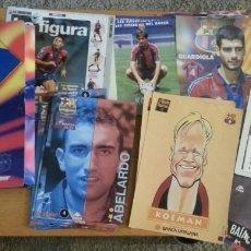 Coleccionismo deportivo: LOTE CARPETA FÚTBOL CLUB BARCELONA BARCA DIARIO SPORT MÁS LÁMINAS FICHAS CALENDARIOS ETC. Lote 110932987