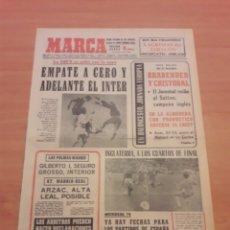 Coleccionismo deportivo: MARCA. 2/12/1971. BORUSSIA,0 - INTER,0. COPA EUROPA.. Lote 113465566