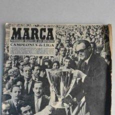Coleccionismo deportivo: SEMANARIO GRAFICO MARCA R.MADRID CAMPEONES LIGA 1955. Lote 121108999