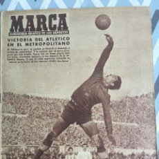 Coleccionismo deportivo: MARCA (21-2-56) ATLETICO MADRID 1-0 REAL MADRID ITALIA FRANCIA BODAS DE ORO CLUB ALPINO NAVACERRADA. Lote 123379143