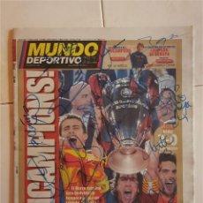 Coleccionismo deportivo: FC BARCELONA BARÇA DIARIO MUNDO DEPORTIVO FINAL COPA EUROPA ROMA 2009 FIRMADO JUGADORES - TRIPLETE. Lote 124439943