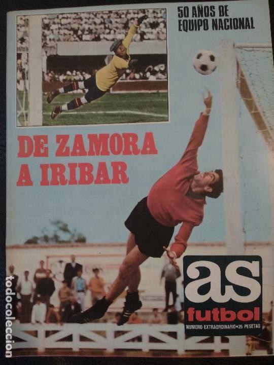AS COLOR EXTRAORDINARIO 50 AÑOS DE LA SELECCIÓN ESPAÑOLA 1920-1970 DE ZAMORA A IRIBAR CON POSTER (Coleccionismo Deportivo - Revistas y Periódicos - As)