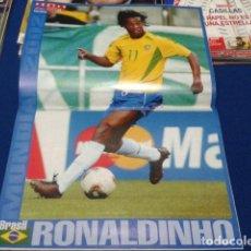 Coleccionismo deportivo: POSTER DON BALON ( RONALDINHO ) MUNDIAL 2002 BRASIL. Lote 133584762