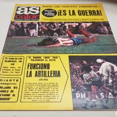 Coleccionismo deportivo: REVISTA AS COLOR, ES LA GUERRA , N° 247, FEBRERO 1976, POSTER C.D.CASTELLON. Lote 133900142