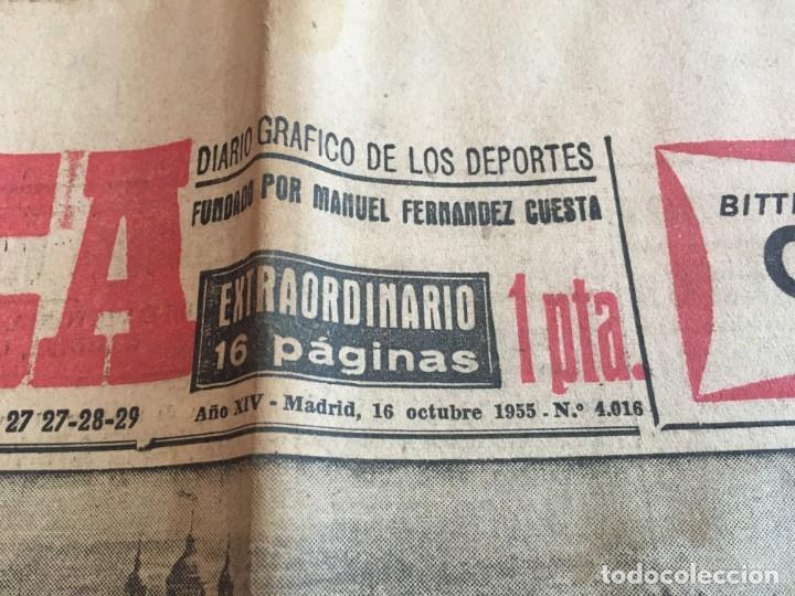 Coleccionismo deportivo: MARCA (16-10-1955) REAL MADRID ATLETICO MADRID BARACALDO ZARAGOZA - Foto 2 - 146151230