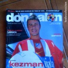 Coleccionismo deportivo: REVISTA DON BALON N,1556 DE 2005 COMPLETA CON POSTER. Lote 146651006
