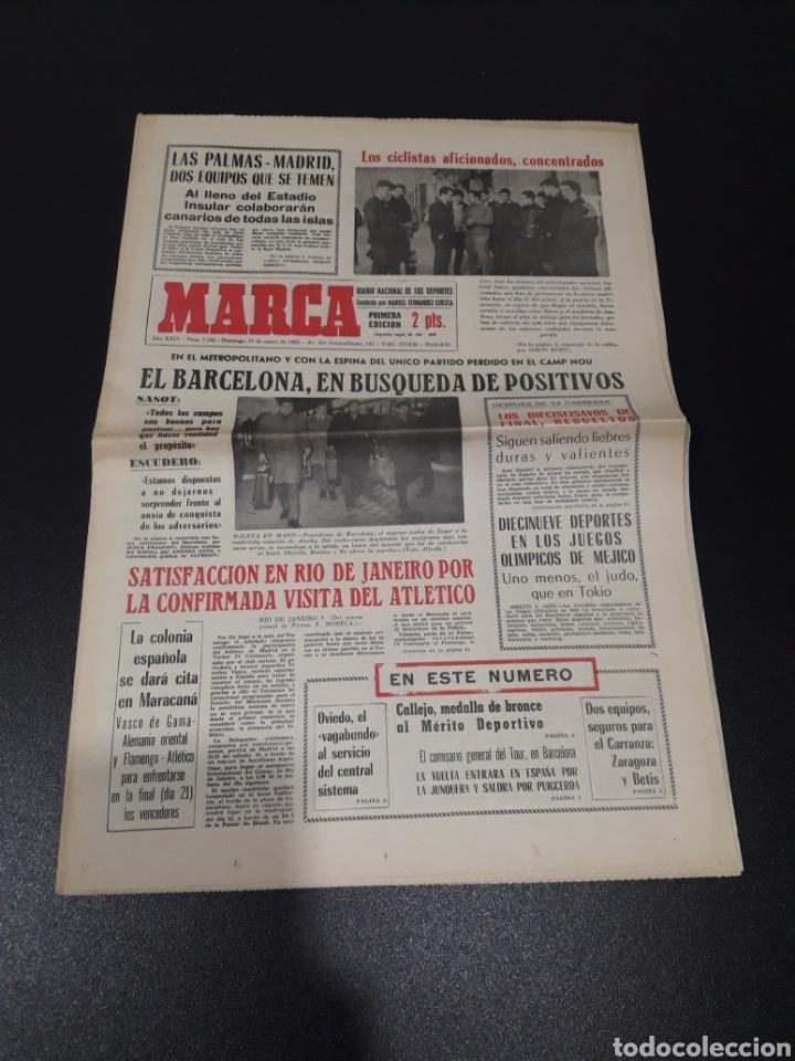 MARCA 10/01/1965. FC.BARCELONA AT.MADRID SASOT LAS PALMAS R.MADRID ECIJA ESPECIAL LEON LASA BETIS. (Coleccionismo Deportivo - Revistas y Periódicos - Marca)