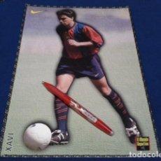 Coleccionismo deportivo: POSTER FICHA EL MUNDO DEPORTIVO 97 - 98 ( XAVI ) LAMINA Nº 19 DE 30 X 21 CM F.C. BARCELONA. Lote 155709558
