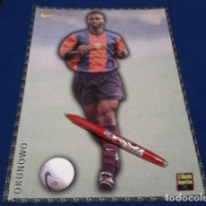 Coleccionismo deportivo: POSTER FICHA EL MUNDO DEPORTIVO 97 - 98 ( OKUNOWO ) LAMINA Nº 26 DE 30 X 21 CM F.C. BARCELONA. Lote 155710194