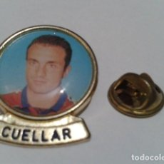 Coleccionismo deportivo: PIN F.C. BARCELONA DIARIO SPORT ( CUELLAR ) LINEA F.C.B. DE LOS 90. Lote 155711578