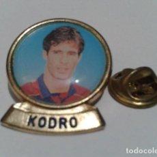 Coleccionismo deportivo: PIN F.C. BARCELONA DIARIO SPORT ( KODRO ) LINEA F.C.B. DE LOS 90 . Lote 155711902