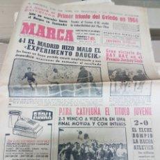 Coleccionismo deportivo: ANTIGUO DIARIO MARCA. Lote 157136850