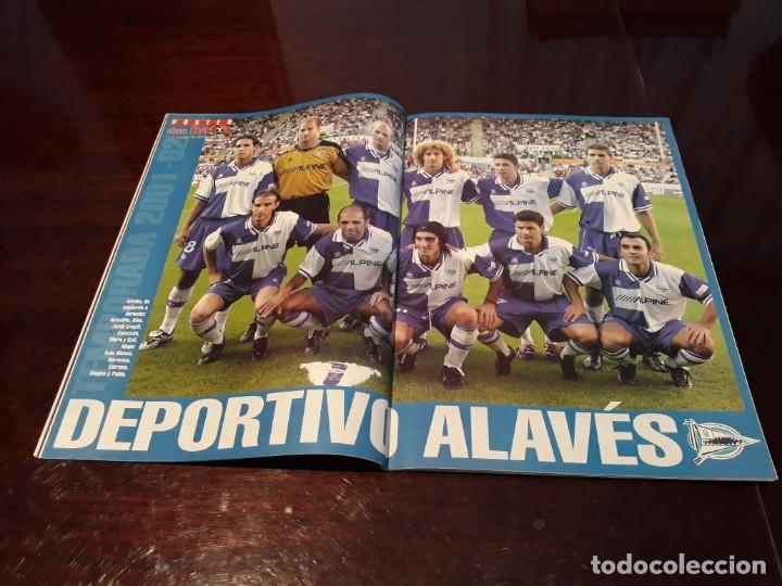 Coleccionismo deportivo: REVISTA DON BALON Nº 1366 - FIGO REAL MADRID - POSTER DEL DEPORTIVO ALAVÉS - Foto 2 - 159206150
