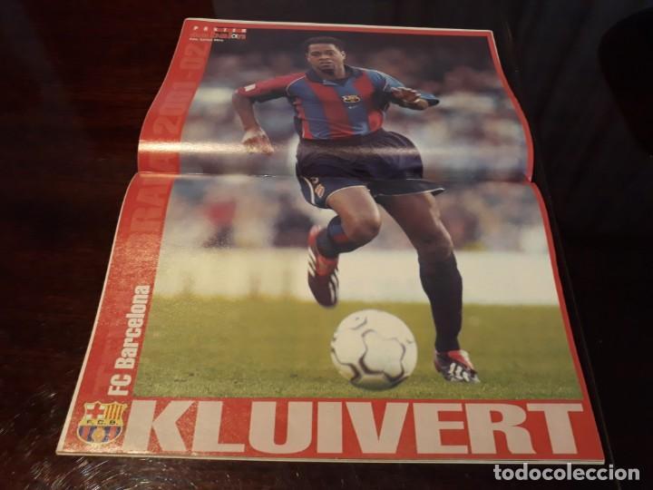 Coleccionismo deportivo: REVISTA DON BALON Nº 1381 - GUARDIOLA ¿ DEBE IR AL MUNDIAL? - POSTER DE KLUIVERT BARCELONA C.F - Foto 2 - 159230210