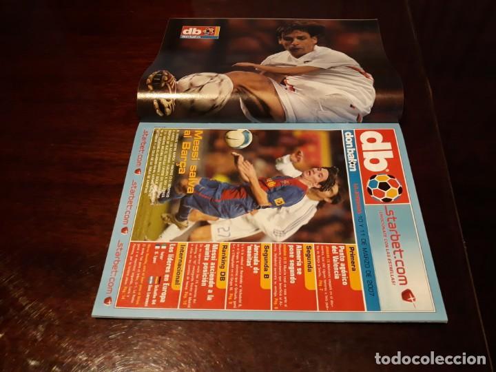 Coleccionismo deportivo: REVISTA DON BALON Nº 1639 - BARCA- REAL MADRID 3-3 - MESSI RESCATA - POSTER MORIENTES - Foto 2 - 160229634