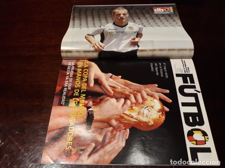Coleccionismo deportivo: REVISTA DON BALON Nº 1813 - EMPIEZA EL BAILE PEP-MOU- EXCLUSIVA DEL NIDO - POSTER SOLDADO VALENCIA - Foto 2 - 160784302