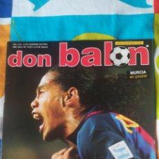 Coleccionismo deportivo: DON BALON NÚMERO 1478 RONALDINHO, VALDANO, MAURO SILVA, PÓSTER DEL MURCIA. Lote 161880150
