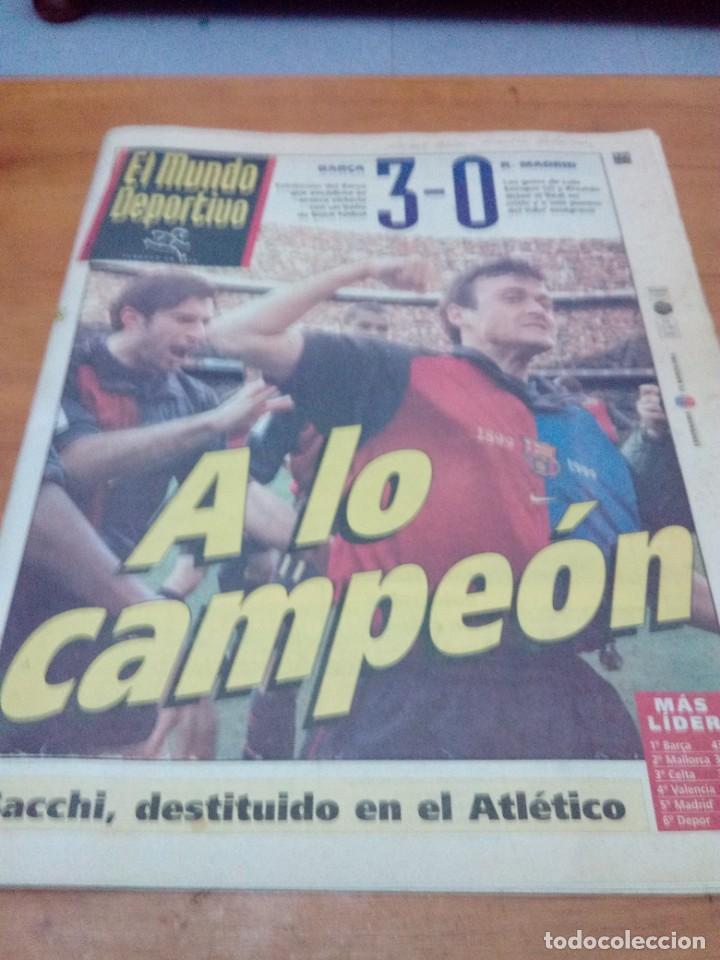 EL MUNDO DEPORTIVO. 1999 BARÇA Y R. MADRID. 3 - 0. A LO CAMPEÓN. EST1B1 (Coleccionismo Deportivo - Revistas y Periódicos - Mundo Deportivo)