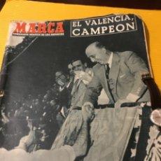 Coleccionismo deportivo: ANTIGUO MARCA 1954 EL VALENCIA CAMPEÓN DE COPA DEL GENERALÍSIMO. Lote 179103708
