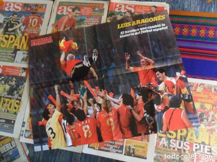 Coleccionismo deportivo: LOTE 7 DIARIO AS ESPAÑA CAMPEONA DE EUROPA EUROCOPA 2008. REGALO PÓSTER LUIS ARAGONÉS. - Foto 2 - 180165397