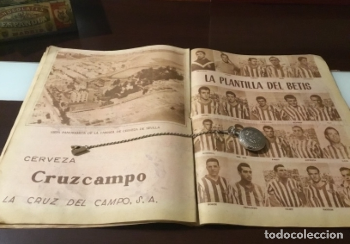 Coleccionismo deportivo: Antiguo marca 1958 bodas de oro del Real Betis balompié totalmente original - Foto 3 - 180517250