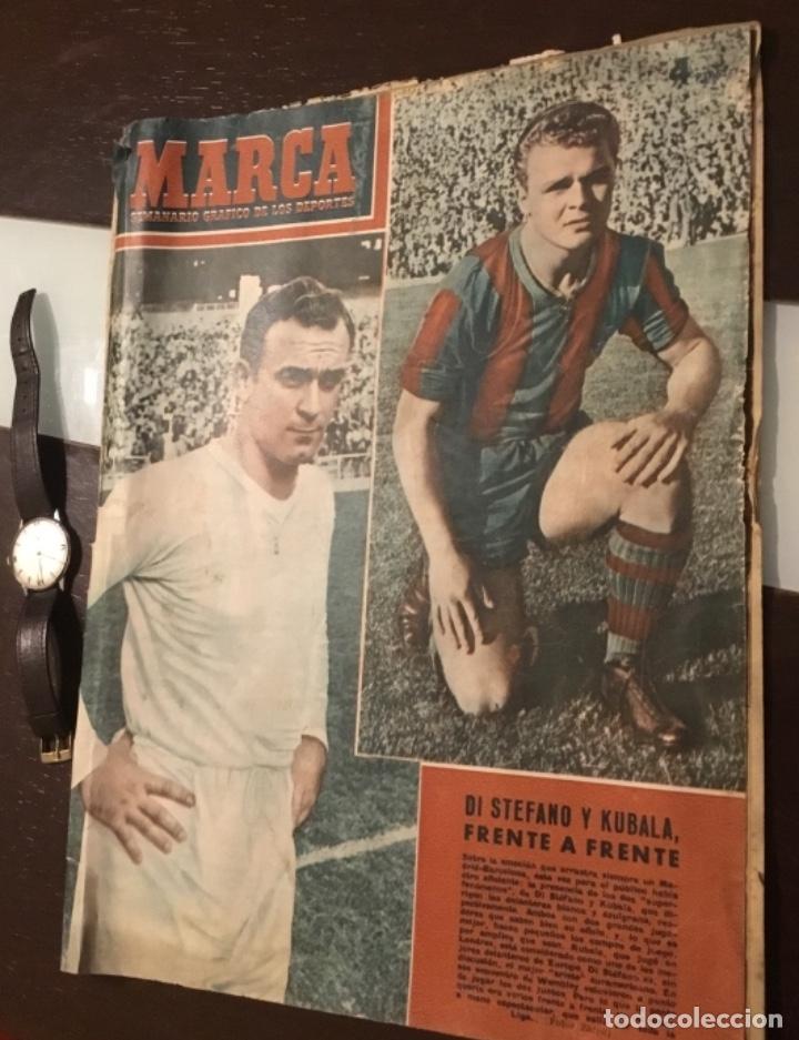 Coleccionismo deportivo: Di Stefano y Kubala revista marca 1953 - Foto 2 - 180974788