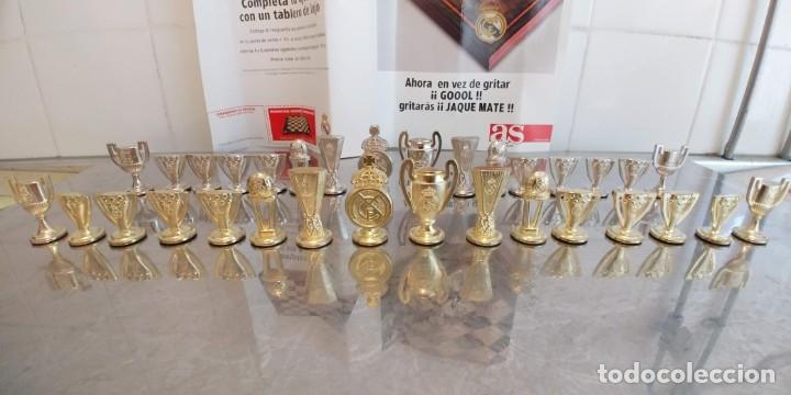 Coleccionismo deportivo: COLECCIÓN 32 COPAS Y TROFEOS del real madrid, AÑOS 90.metal - Foto 2 - 181608528