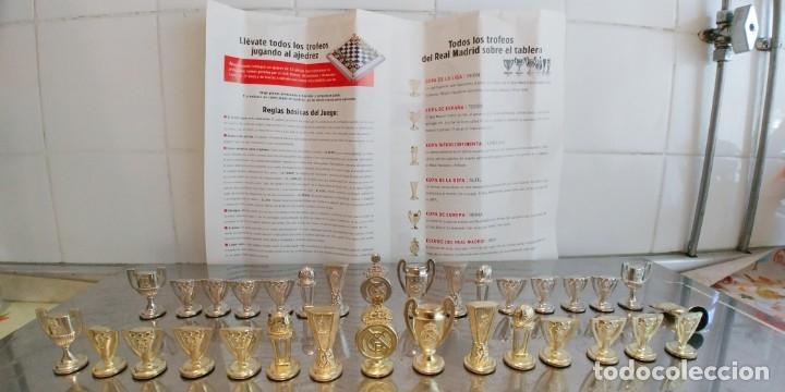 Coleccionismo deportivo: COLECCIÓN 32 COPAS Y TROFEOS del real madrid, AÑOS 90.metal - Foto 3 - 181608528