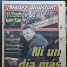 Coleccionismo deportivo: MUNDO DEPORTIVO DICIEMBRE 1998, VAN GAAL: NI UN DÍA MÁS !! BARÇA 1, VILLARREAL 3. Lote 184762685