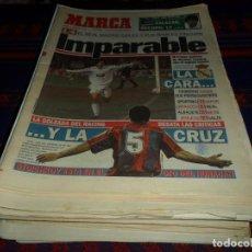 Coleccionismo deportivo: REAL MADRID 28 PERIÓDICOS Y ESPECIALES DE AS Y MARCA CON TÍTULOS Y GRANDES DÍAS. REGALO 15 POSTERS.. Lote 188380312