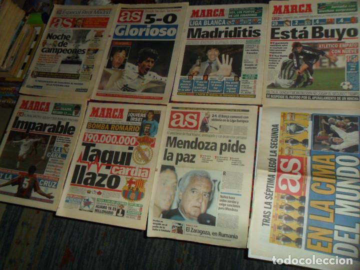 Coleccionismo deportivo: REAL MADRID 28 PERIÓDICOS Y ESPECIALES DE AS Y MARCA CON TÍTULOS Y GRANDES DÍAS. REGALO 15 POSTERS. - Foto 2 - 188380312