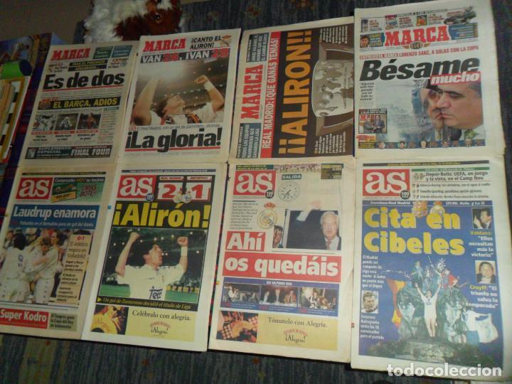 Coleccionismo deportivo: REAL MADRID 28 PERIÓDICOS Y ESPECIALES DE AS Y MARCA CON TÍTULOS Y GRANDES DÍAS. REGALO 15 POSTERS. - Foto 3 - 188380312