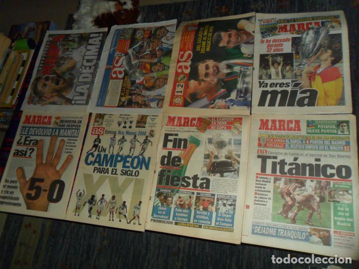 Coleccionismo deportivo: REAL MADRID 28 PERIÓDICOS Y ESPECIALES DE AS Y MARCA CON TÍTULOS Y GRANDES DÍAS. REGALO 15 POSTERS. - Foto 4 - 188380312