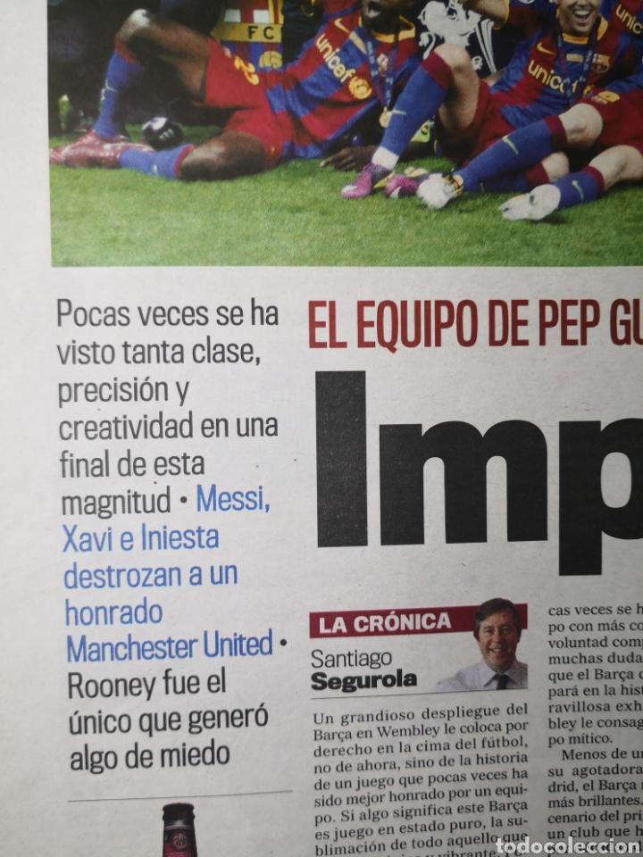 Coleccionismo deportivo: Diario Marca - 29 de mayo de 2011: FC Barcelona. Messi en portada levantando la Cuarta Champions - Foto 3 - 191545301