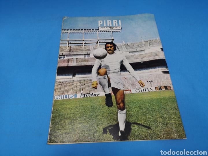 Coleccionismo deportivo: Revista AS COLOR NUM. 207. FESTEJANDO EL TÍTULO. PÓSTER CENTRAL REAL MADRID DE BALONCESTO - Foto 3 - 193902316