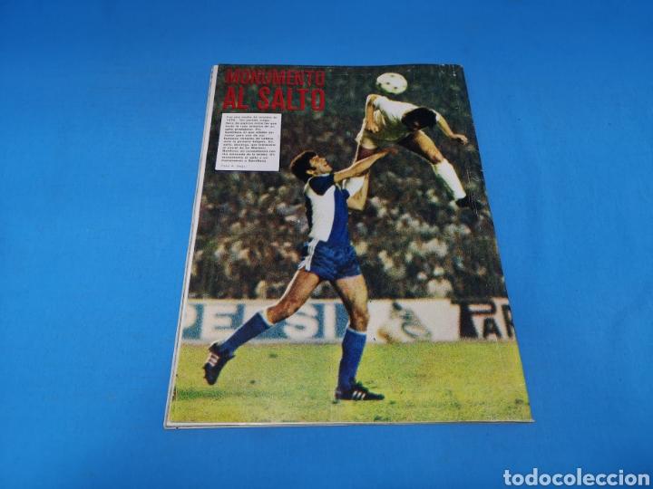 Coleccionismo deportivo: Revista AS COLOR NUM. 438. DETESTO A LOS INDISCIPLINADOS Y A LOS VAGOS. PÓSTER RAYO VALLECANO - Foto 3 - 193998231